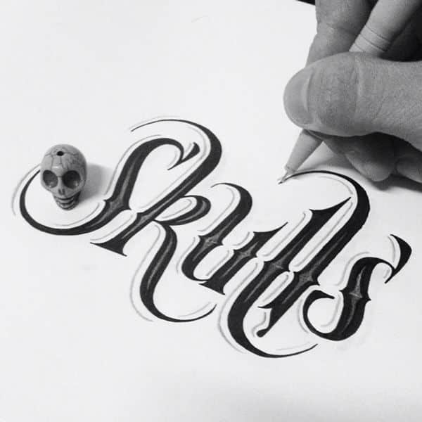 skulls hand drawn type